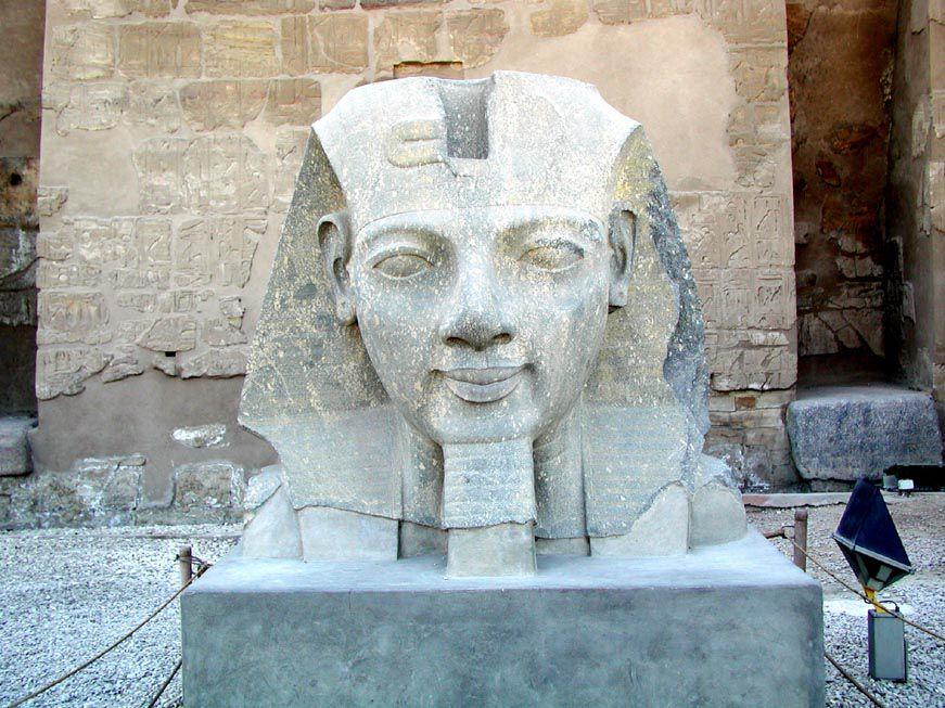 Ramses II. im Luxortempel