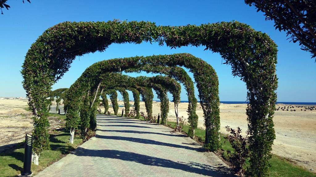 Marsa Alam, Aurora Bay Resort, Weg zum Hotelstrand