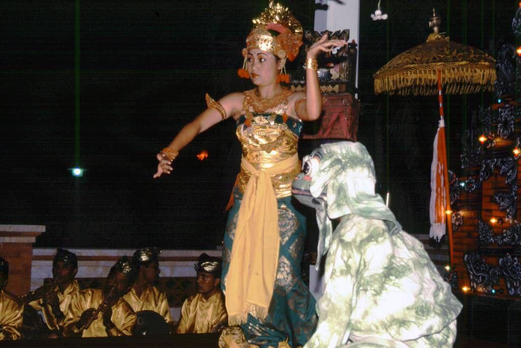 Hotel Rama Beach Cottages, Balinesische Tänze