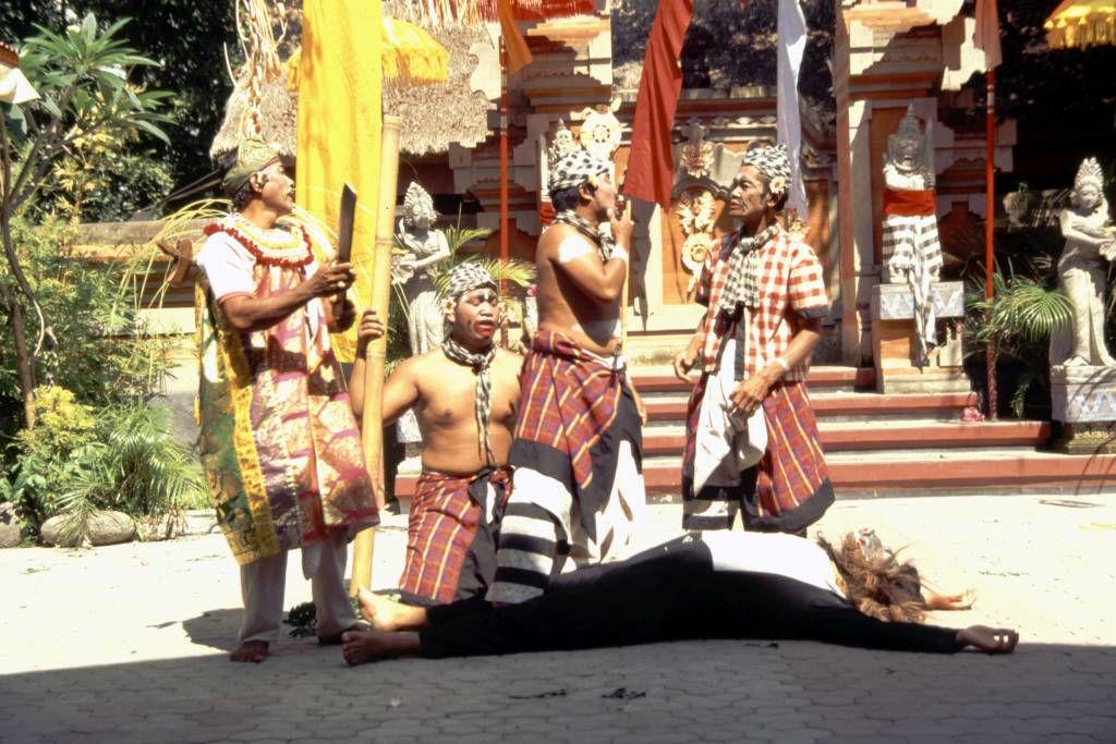 Sanur, Barong Tanz