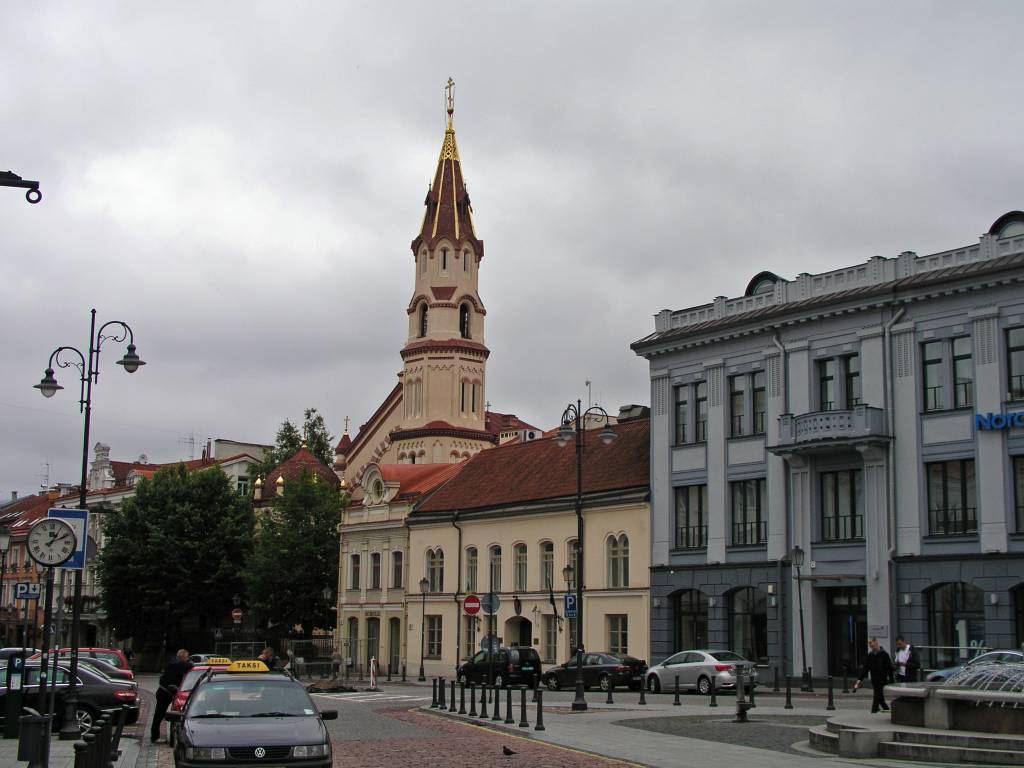 Vilnius, Rathausplatz mit St. Nikolaus Kirche