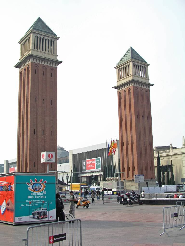 Barcelona, Venezianische Türme, Eingang des Geländes der internationalen Ausstellung von 1929