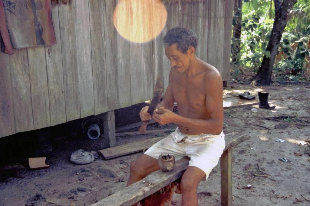Indianer in der Amazonasmündung nahe Belém