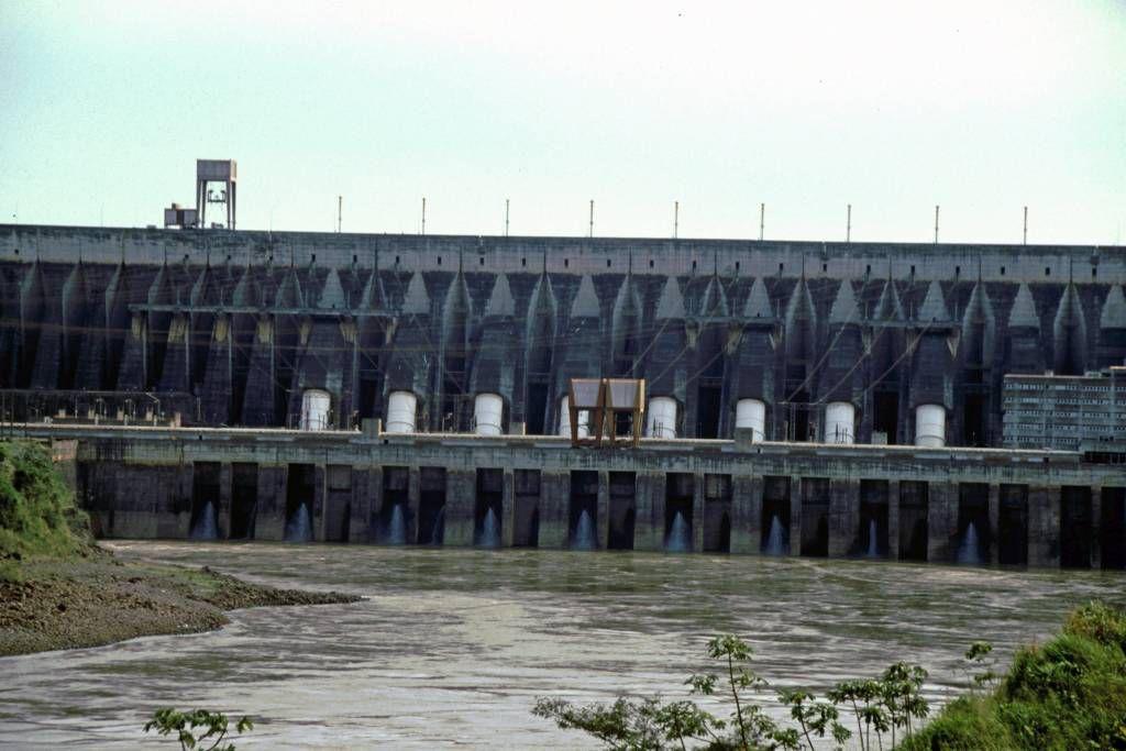 Iguazú, Wasserkraftwerk Itaipú