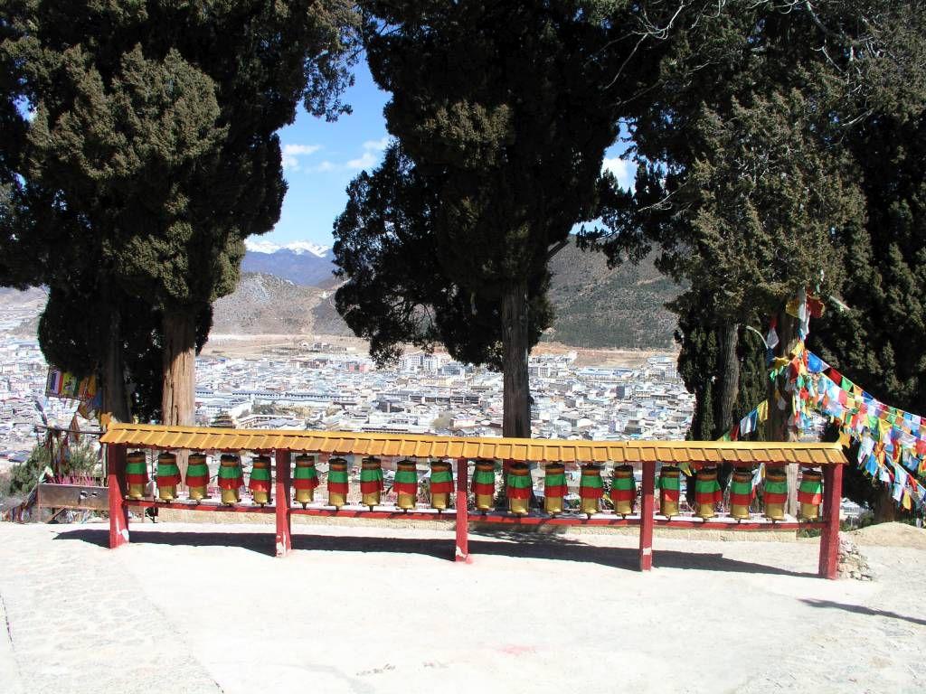 Shangri-La, Blick auf Dêqên vom 100 Chicken Temple