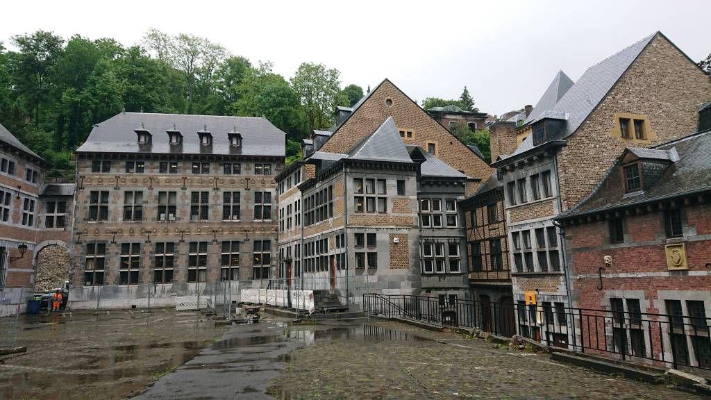 Lüttich, am Museum der Wallonie