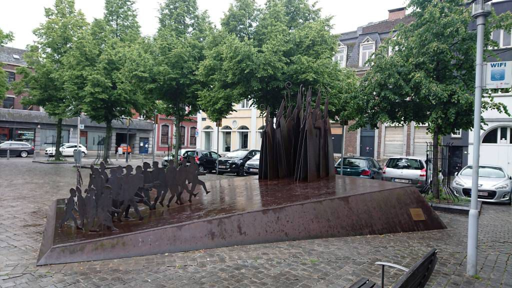 Lüttich, Kunstobjekt am St. Bartholomäusplatz