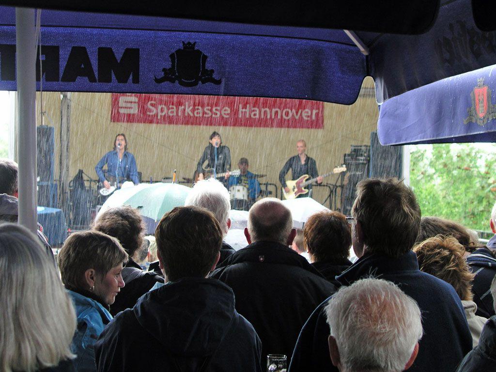 Patricia Vonne & Band am 21.06.2009, trotz Regens ein starker Auftritt