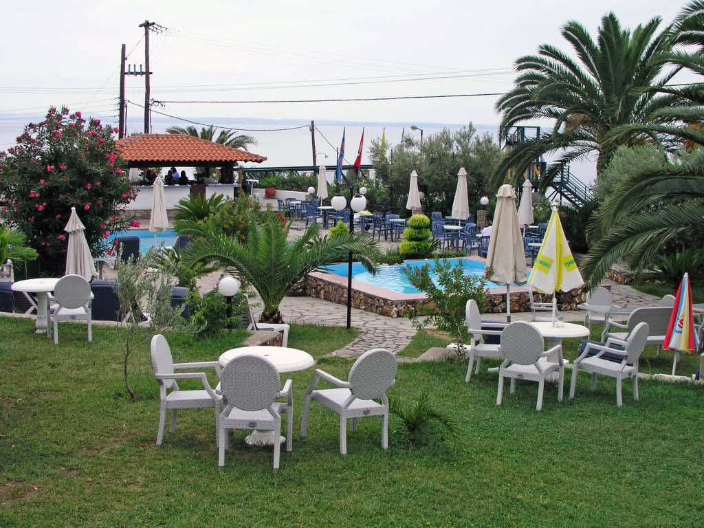 Gerakini, Hotel Glavas Inn, Gartenanlage