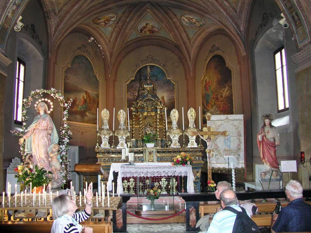 Isola dei Pescatori (Isola Superiore), Kirche