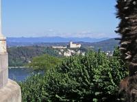 Arona, Blick zum Rocca di Angera