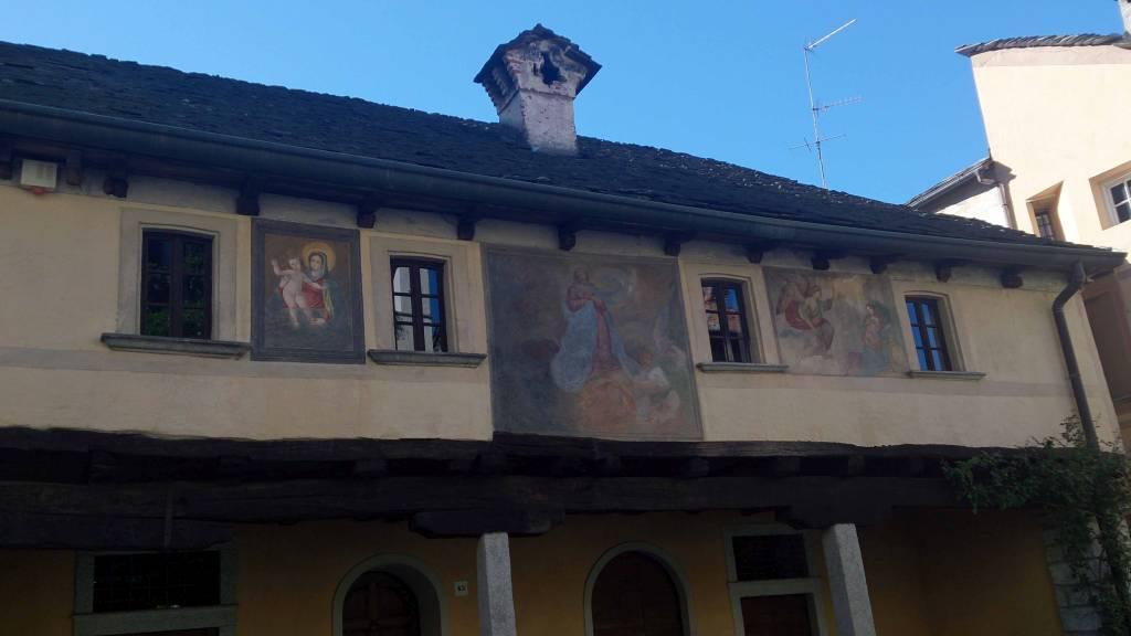 Orta San Giulio, Gebäude