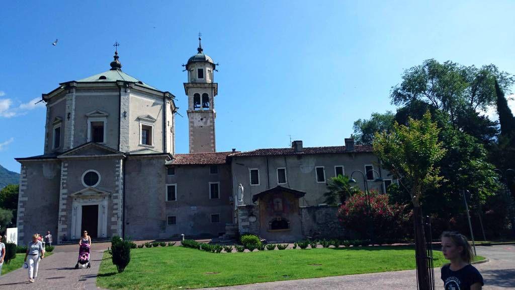 Riva del Garda, die Kirche Santa Maria Assunta