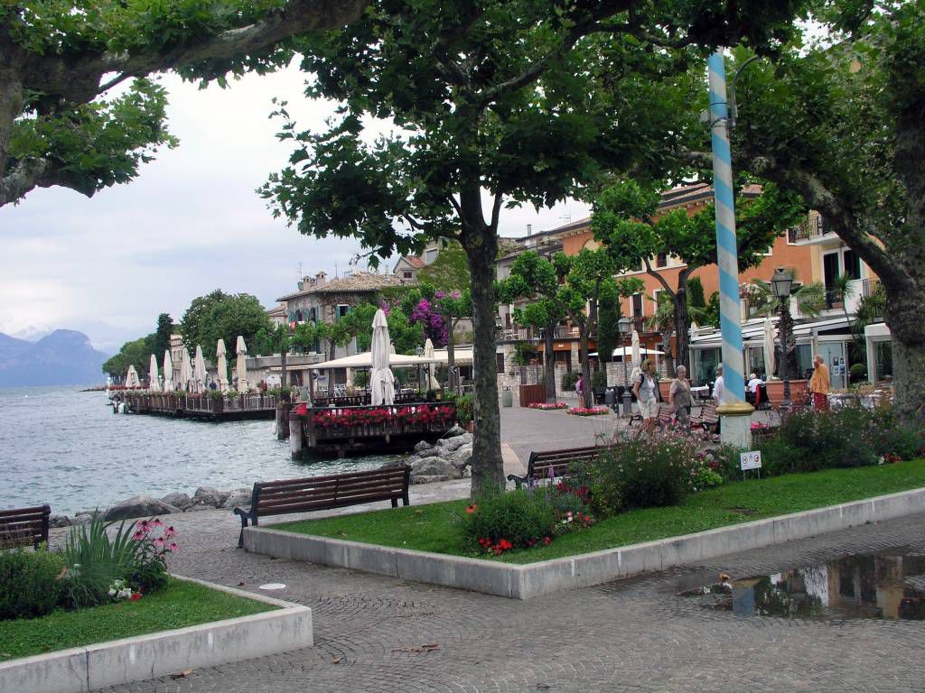 Torri del Benaco, Promenade