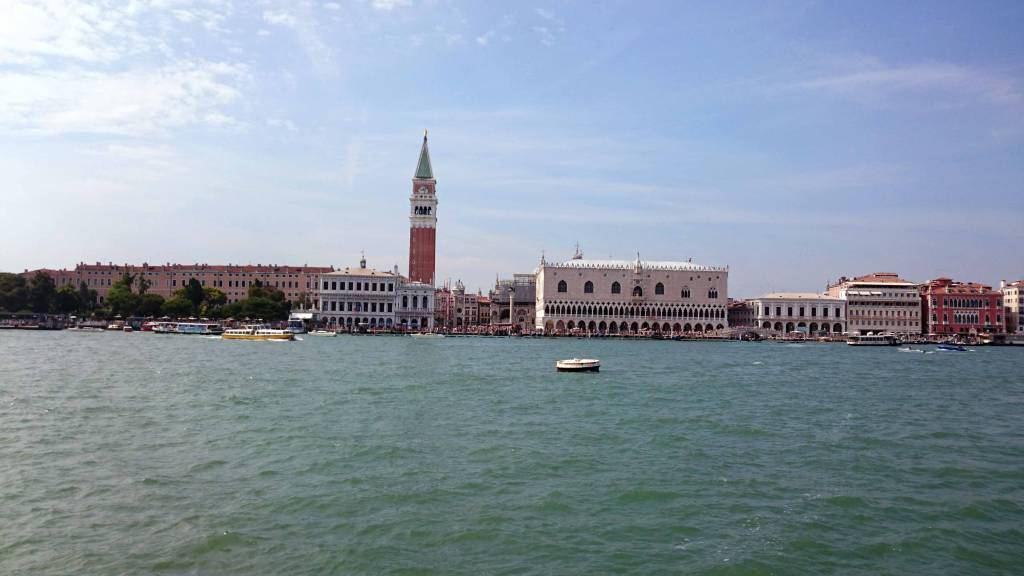 Venedig, Blick auf den Markusplatz, den Dogenpalast und den Markusdom