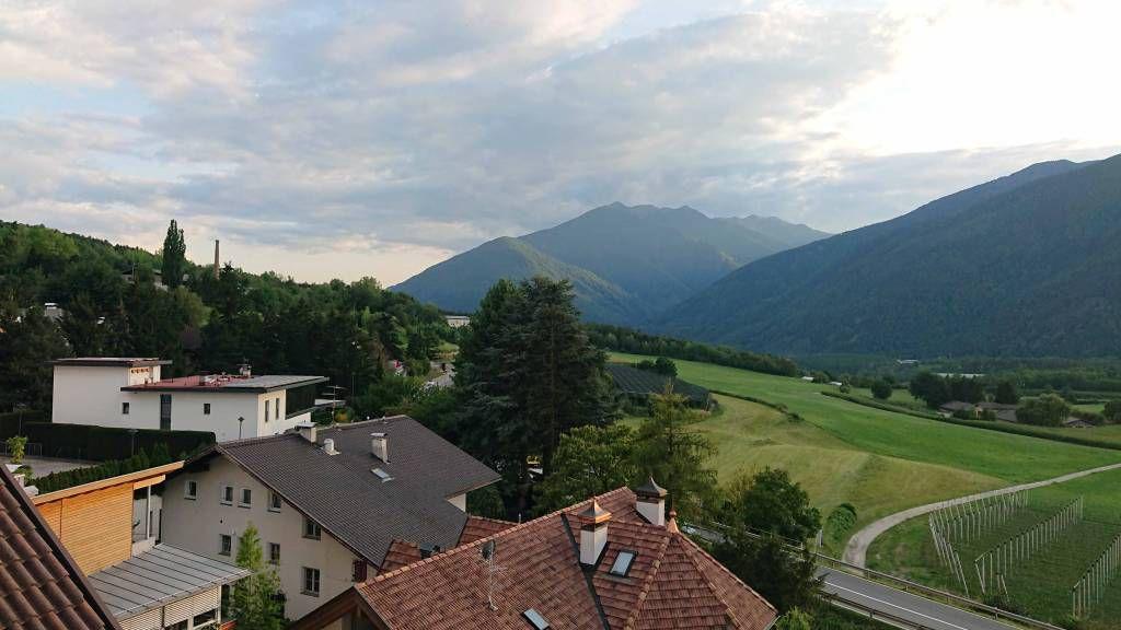 Schabs, Hotel Am Brunnen, Aussicht vom Zimmer