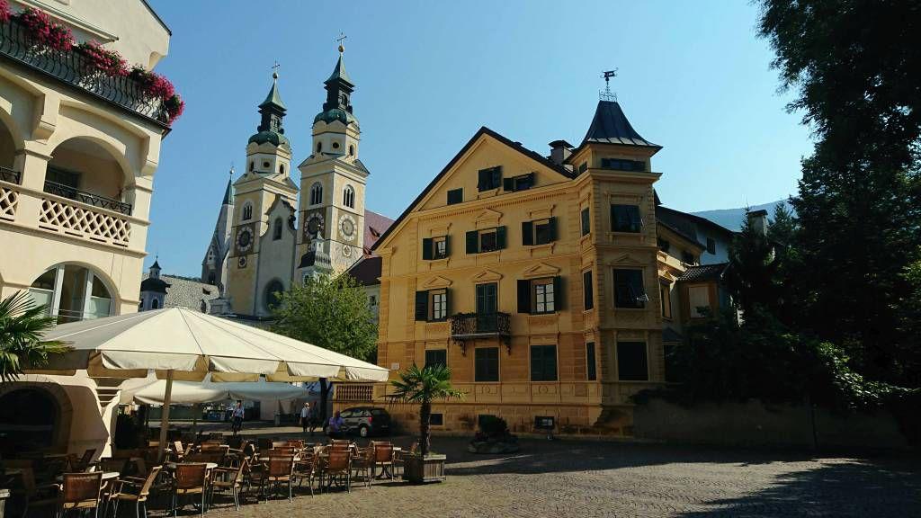 Brixen, Friedensgericht am Domplatz