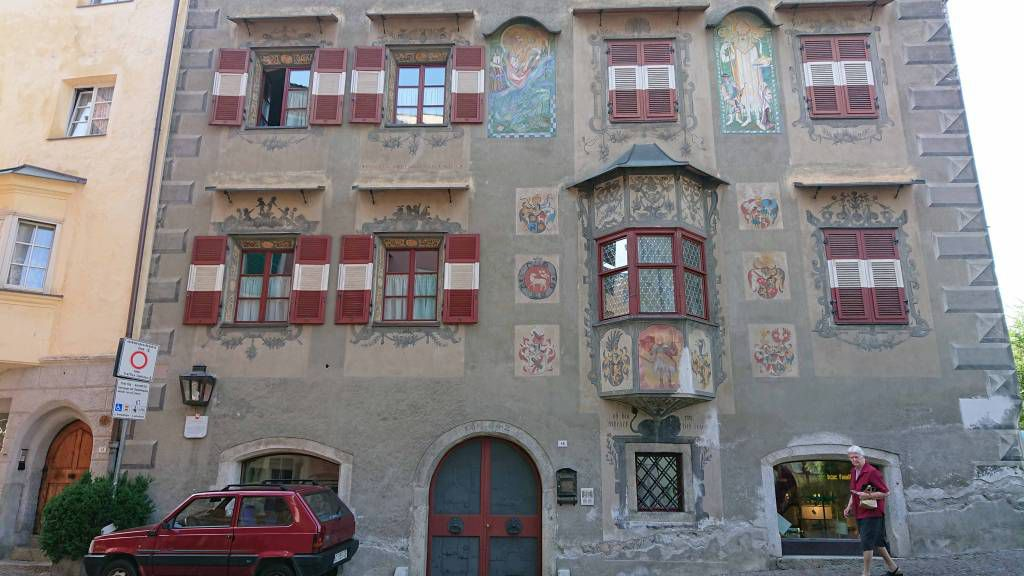 Brixen, Gebäude