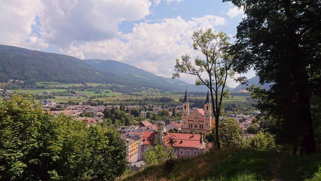 Bruneck, Blick über den Ort