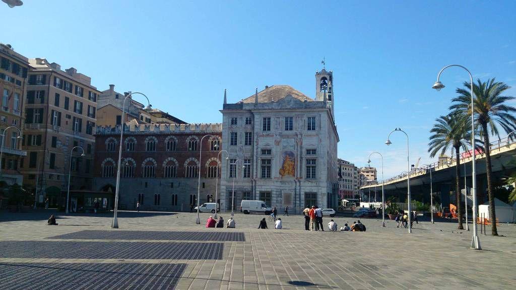 Genua, Piazza Caricamento