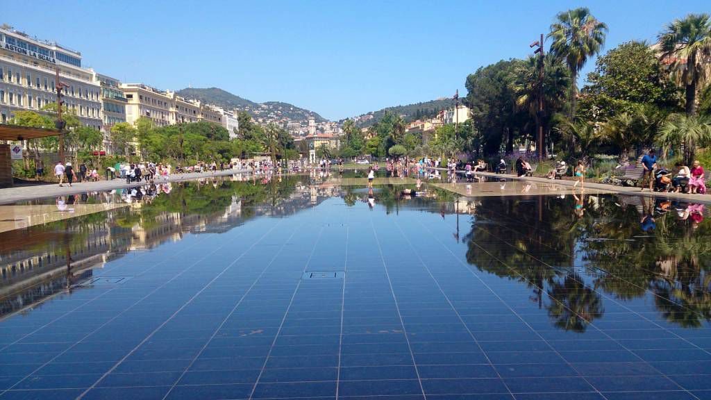 Nizza, Masséna Platz, Wasserspiele