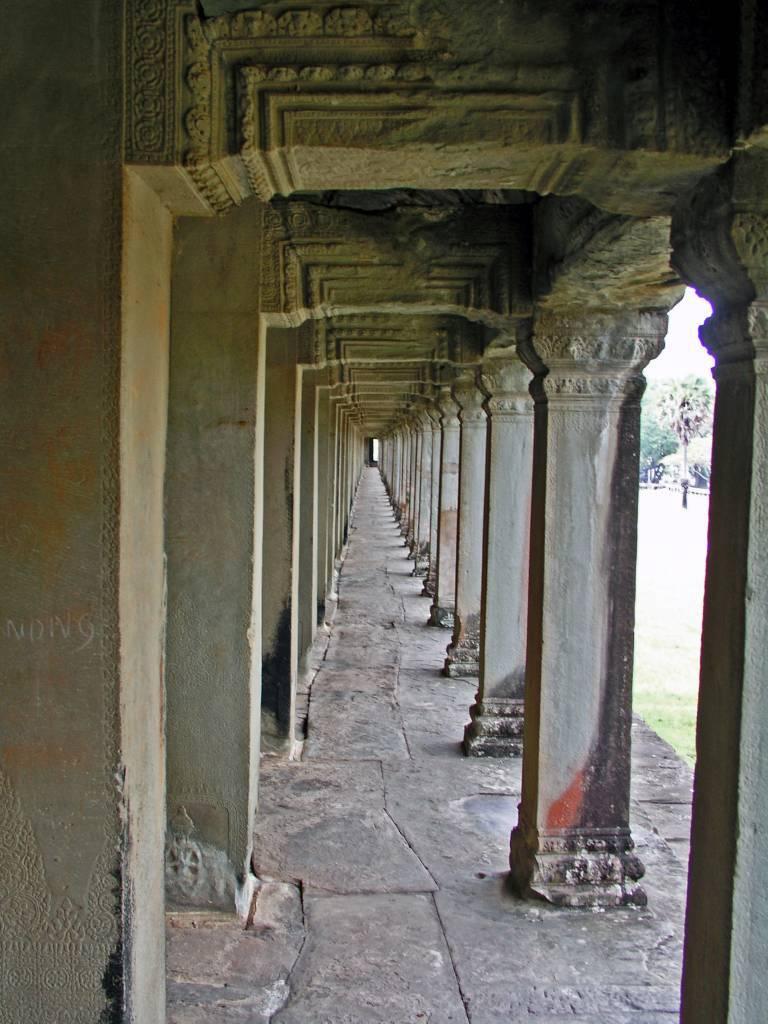 Siem Reap, Angkor Wat Tempel, Säulengang