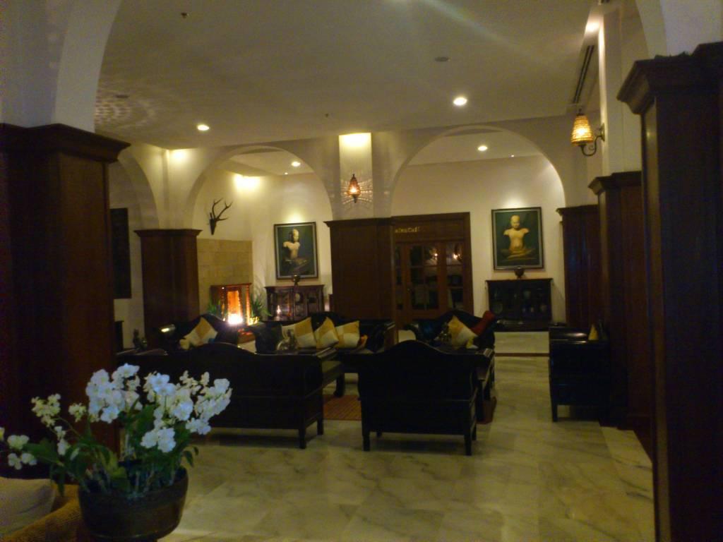Siem Reap, Royal Angkor Resort, Lobby