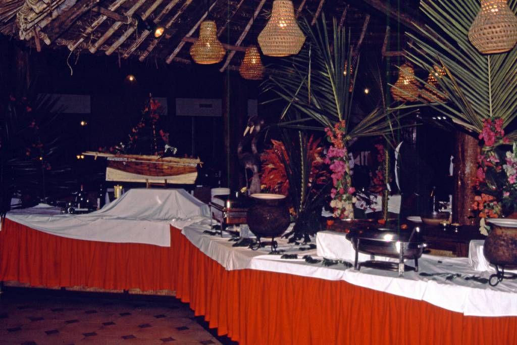 Coral Beach Hotel, Buffet