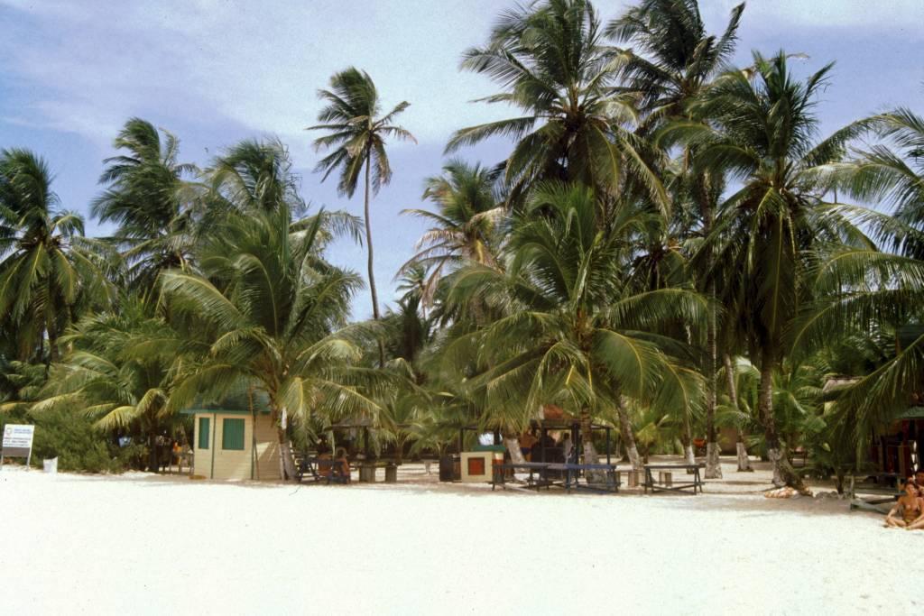 "Kolumbien, San Andres, am Strand von ""Johnny Cay"""