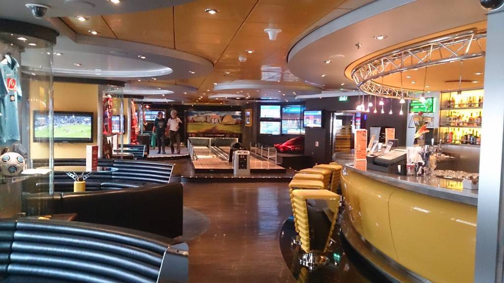 MSC Splendida, die Sports Bar