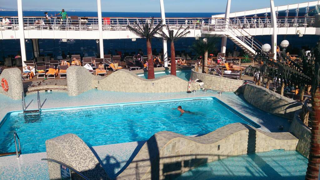MSC Splendida, einer der Pools