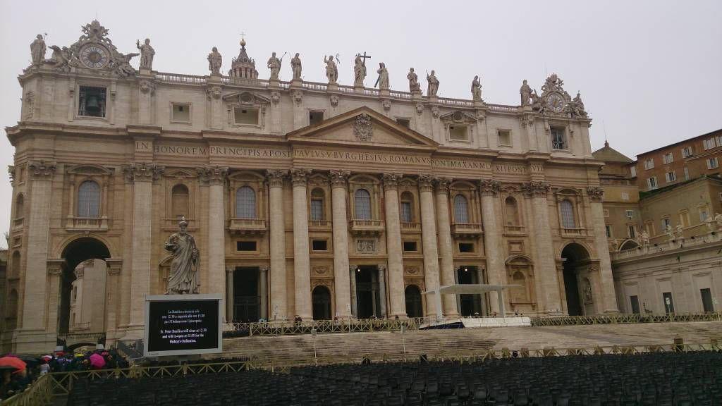 Vatikan, Eingang Petersdom