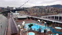 Genua, MSC Poesia, an Deck