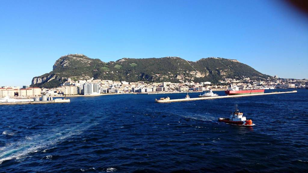 Gibraltar, Hafeneinfahrt