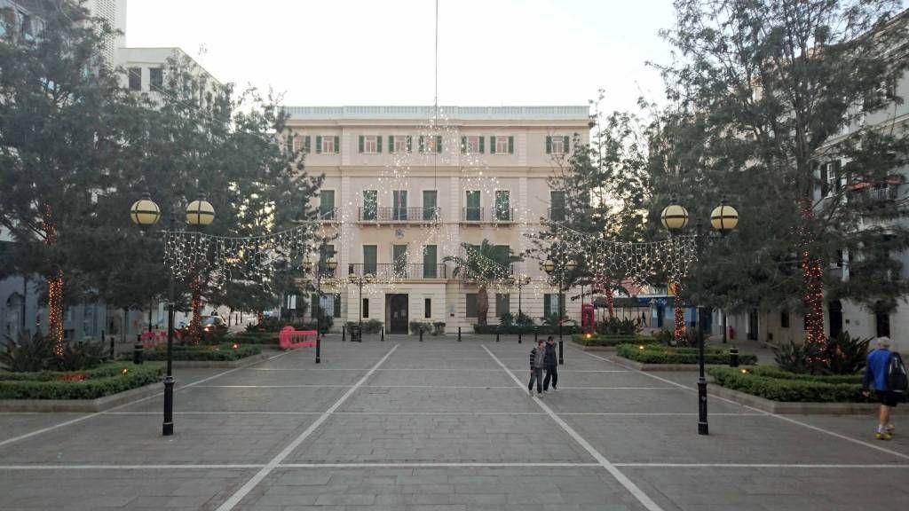 Gibraltar, Gebäude