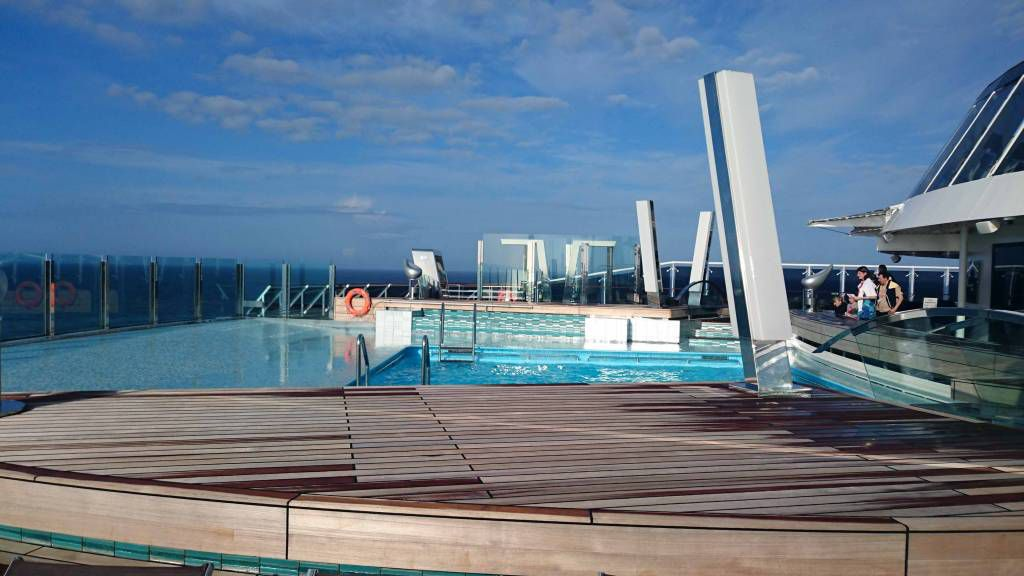 MSC Preziosa, Pool am Heck