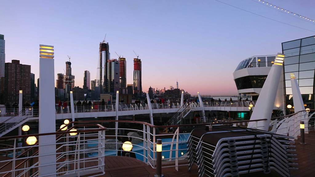 New York, Hafeneinfahrt am frühen Morgen