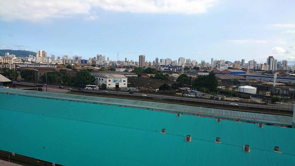 Blick über das Kreuzfahrtterminal Richtung Santos