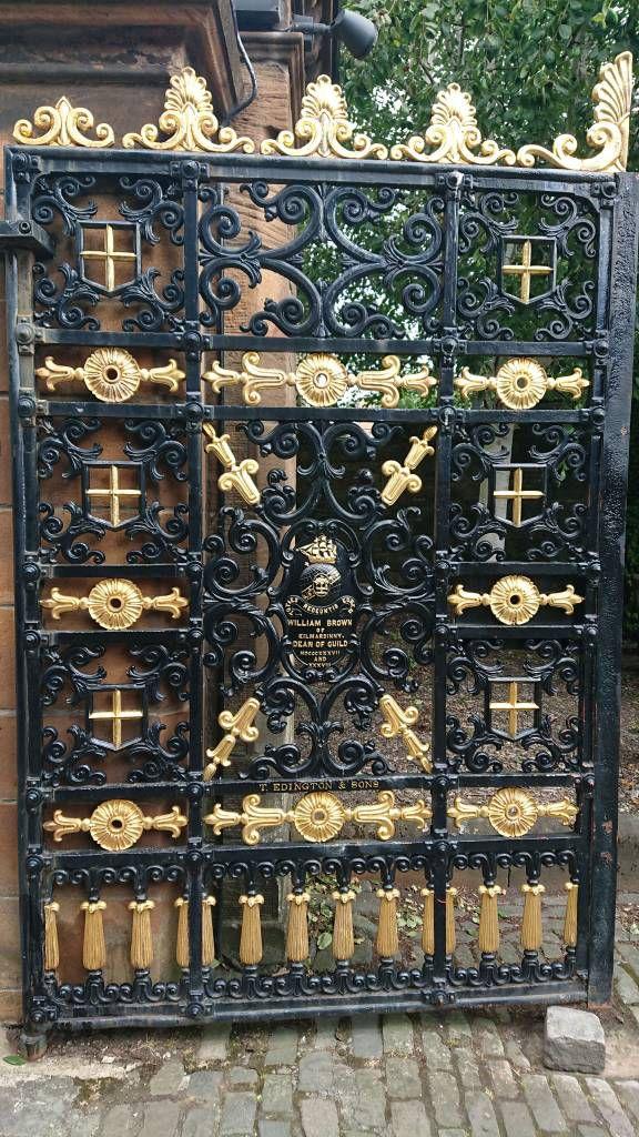 Glasgow, St. Mungo's Kathedrale, Tor zum Friedhof
