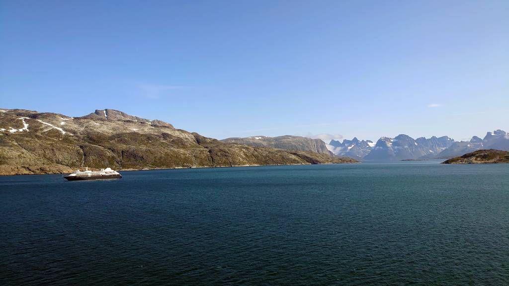 Grönland, Prinz-Christian-Sund, Versorgungsschiff für Aappilattoq
