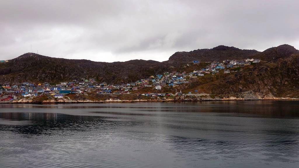 Grönland, Qaqortoq, Ansicht vom Schiff