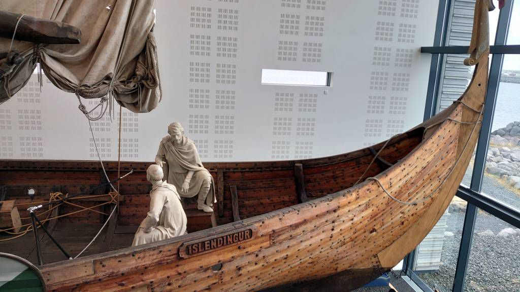 Island, Njarðvík, Wikingermuseum, Nachbau der Islendingur