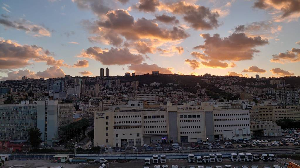 Haifa, Stadtansicht beim Sonnenuntergang