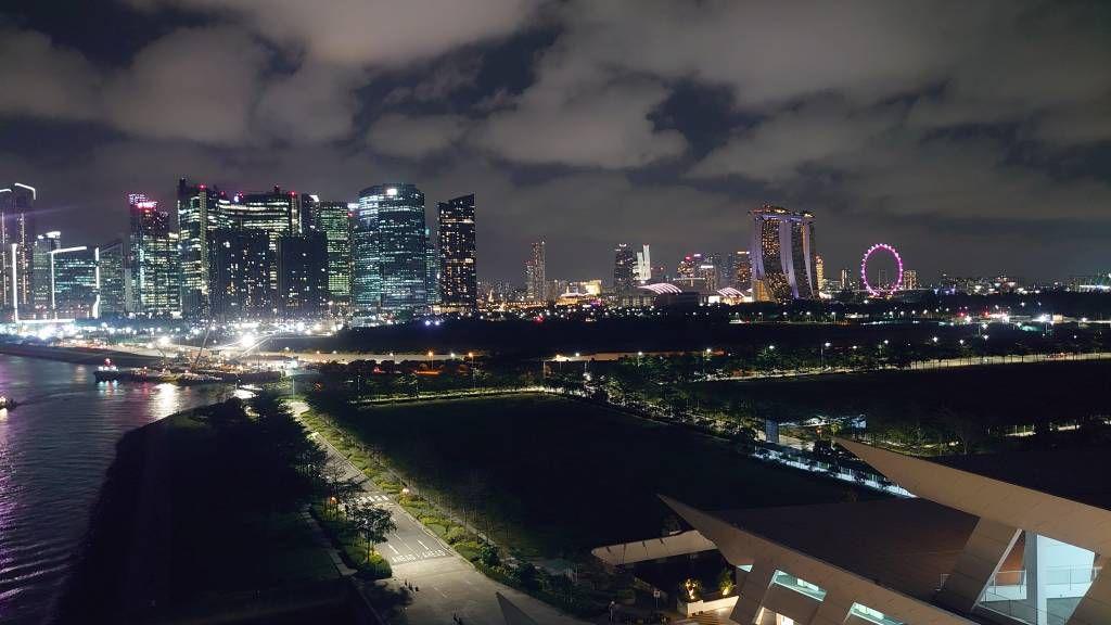 Singapur, Cruise Center, bei Nacht