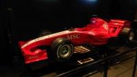 MSC Splendida, original F1 Rennwagen im Simulator