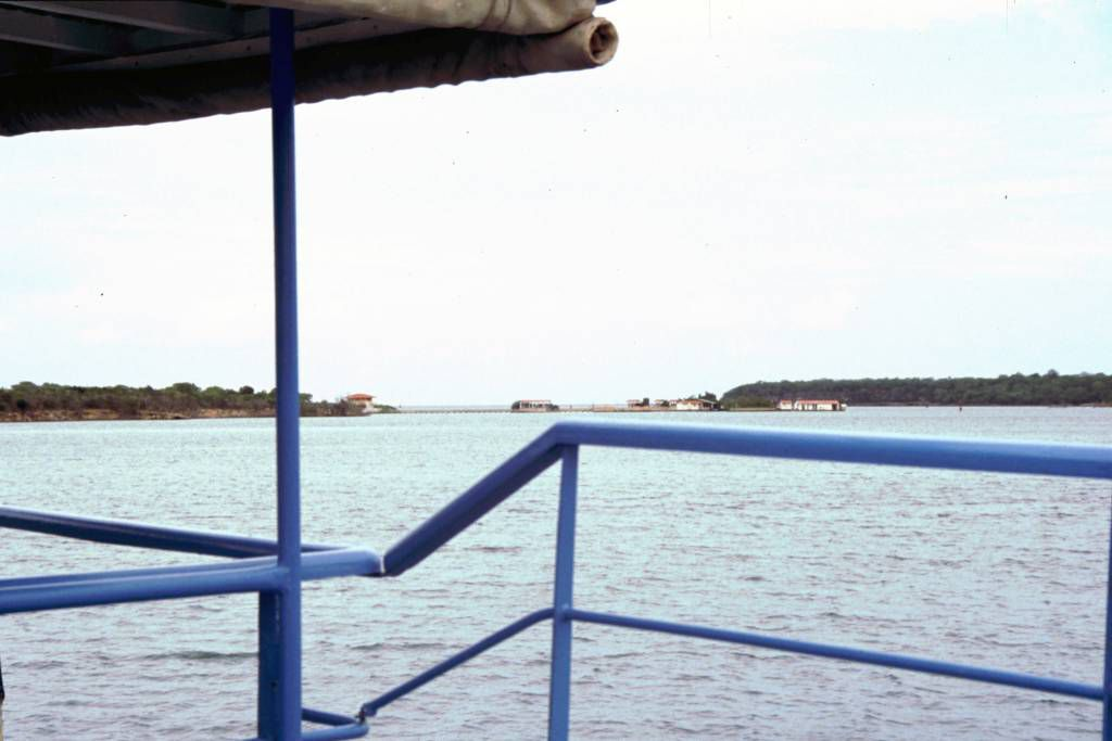 Playa Yuraguanal, Delfinarium