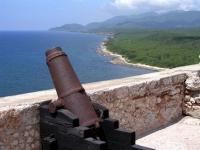 Blick vom Castillo del Morro in Santiago de Cuba in Richtung Westküste
