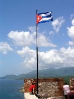 Kubanische Fahne über dem Castillo del Morro