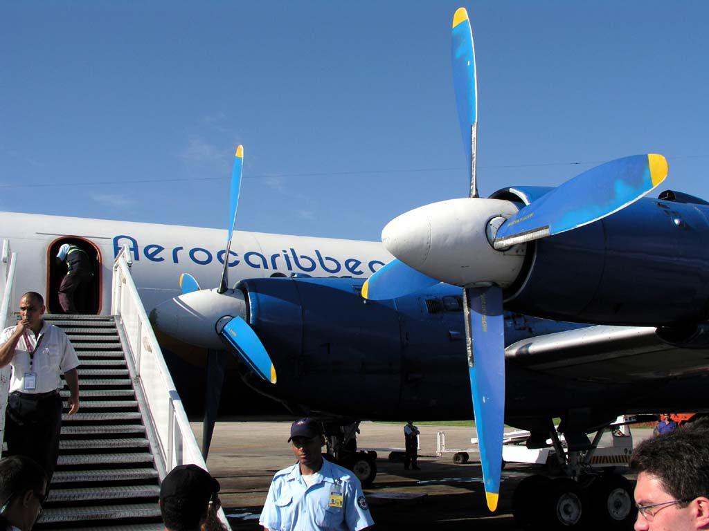 Wer gerne mal mit einer alten Turboprop Iljuschin fliegen möchte, Aero Caribbean machts möglich