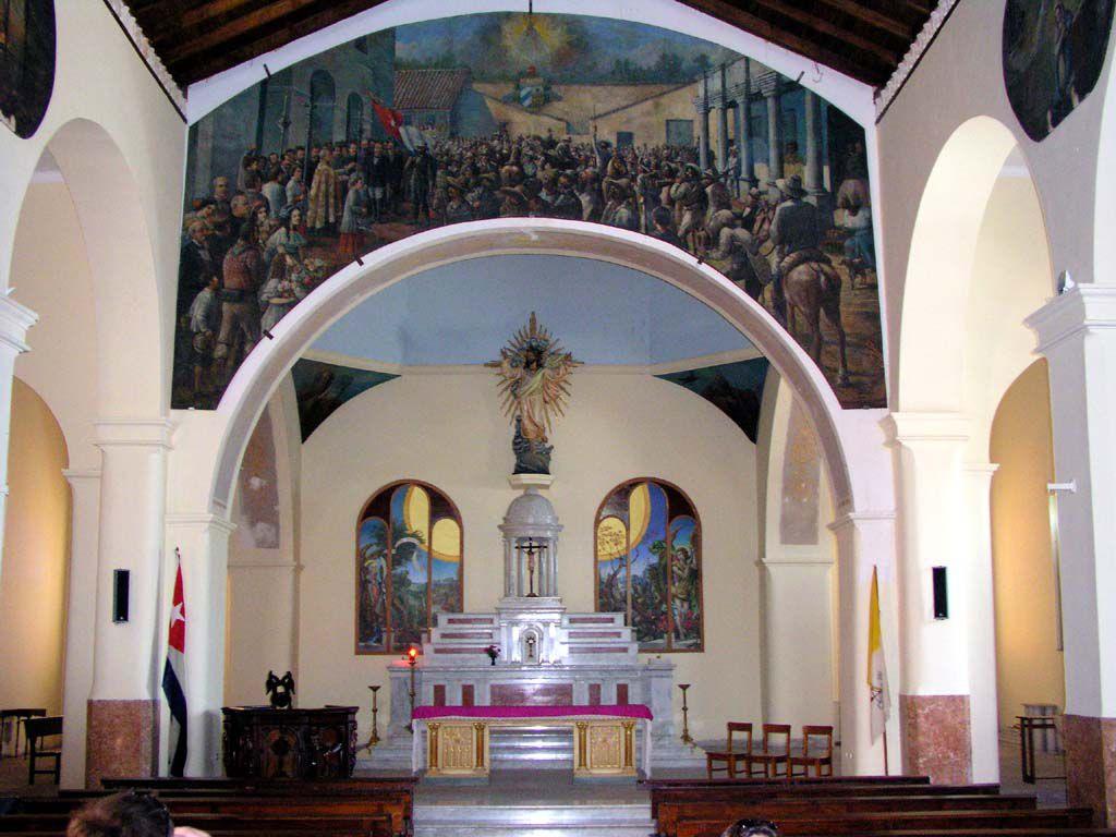 In der Kirche von Bayamo